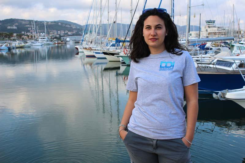 regali-solidali-tshirt-donna-ddi-subacquea-disabilita-1