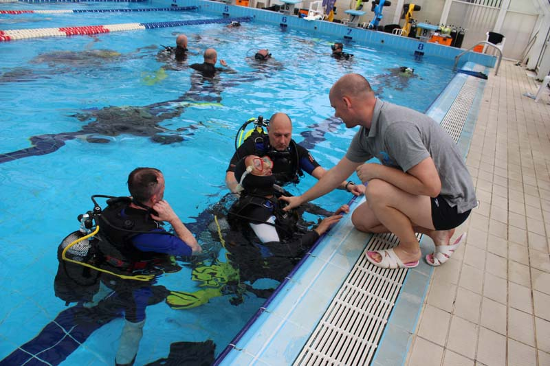 sole-viktor-visiting-ddi-italy-rome-course-pro-training-decathlon-disabled-divers-6